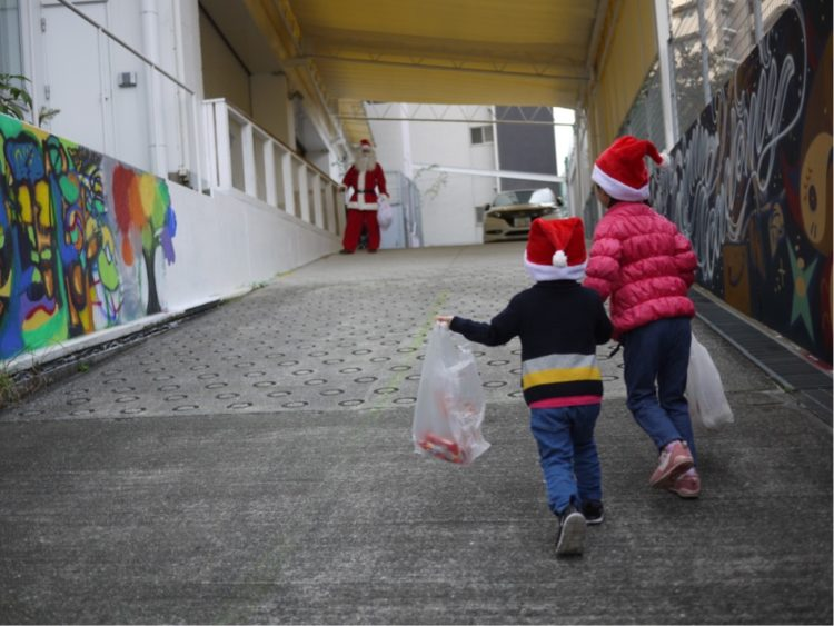 大阪北区のクリスマスイベント サンタを探せin中津