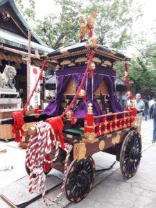 彌榮神社で