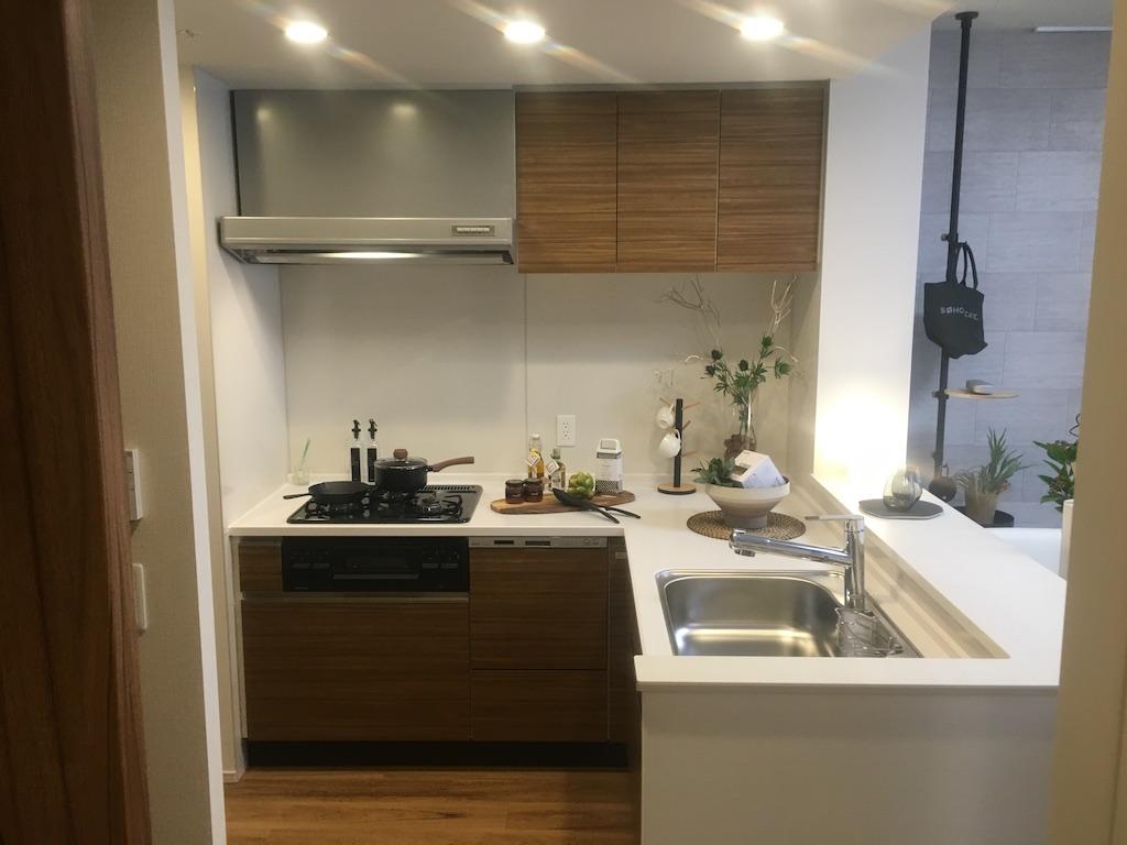 プレミスト都島、モデルルーム、キッチン